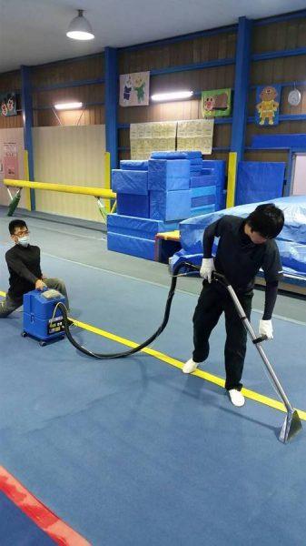 体操クラブ 清掃