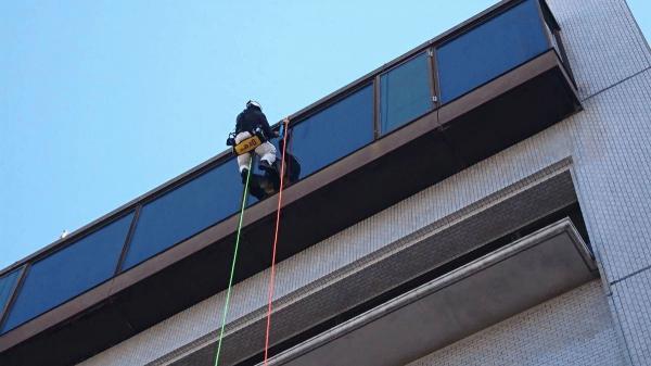 京都市中京区 ロープガラス清掃