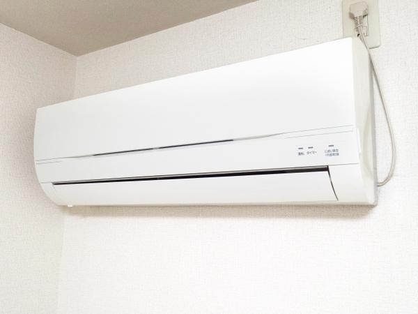 エアコンの寿命を延ばす方法とは?!プロの清掃会社が解説します!